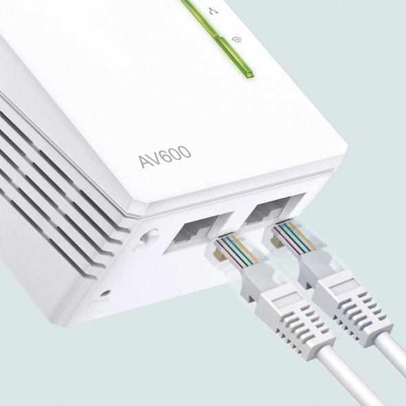 TP-LINK TL-WPA4220KIT AV600 Powerline Wi-Fi KIT, Qualcomm, 300Mbps at 2.4GHz, 600Mbps Powerline